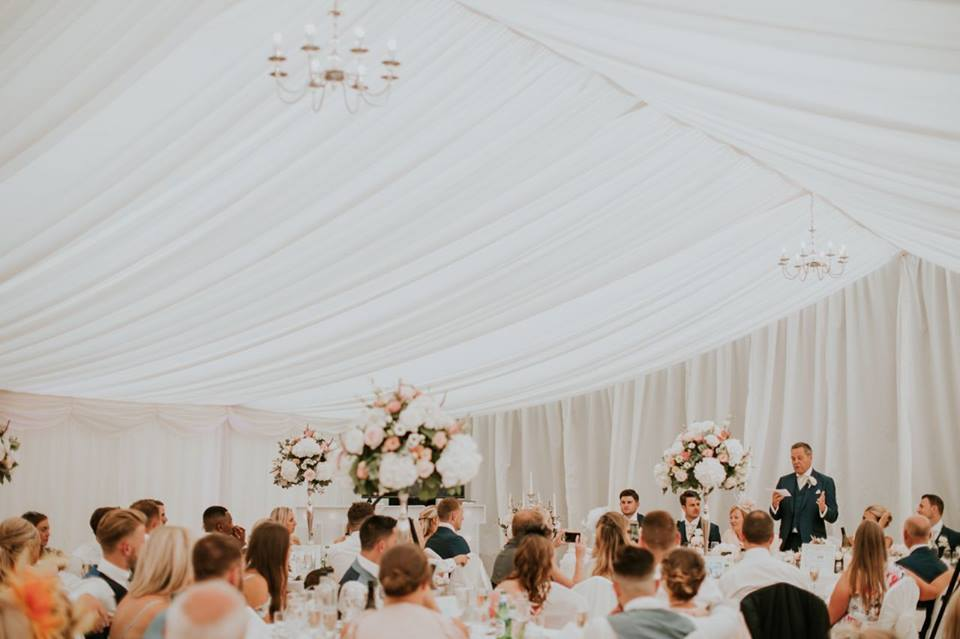 Frame marquees